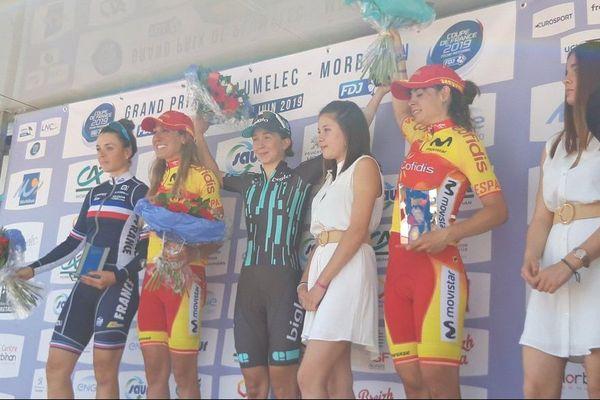 Le podium du Grand Prix de Plumelec Dames. Au centre, Cecilie Uttrup Ludwig.