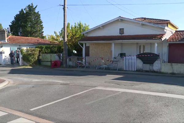 Deux occupantes de cette maison ont été tuées lorsqu'une voiture s'est encastré dans leur façade.