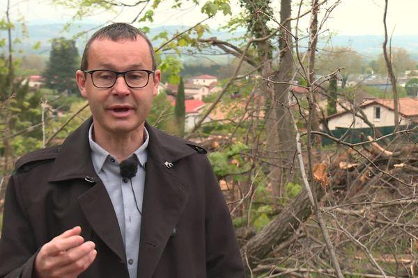 """""""On ne pouvait plus se permettre de laisser les gens circuler dans ce bois en toute quiétude"""" explique le propriétaire de la forêt Emmanuel Bernard"""