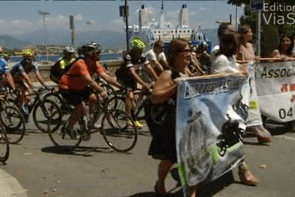 28/06/14 - Ajaccio : rassemblement pour la sécurité des cyclistes