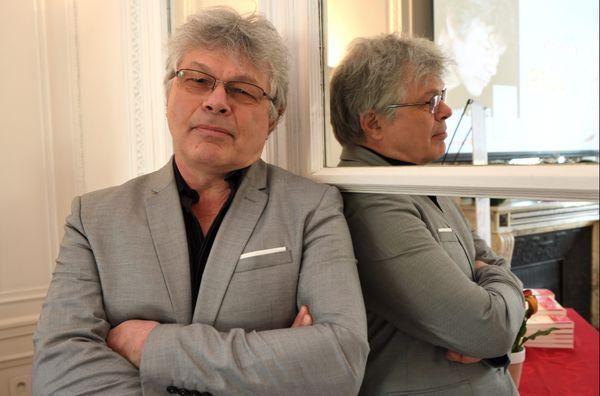 Pierre Jourde en avril 2019, lors de la remise du prix Alexandre Vialatte pour son roman Le voyage du canapé-lit, chez Gallimard