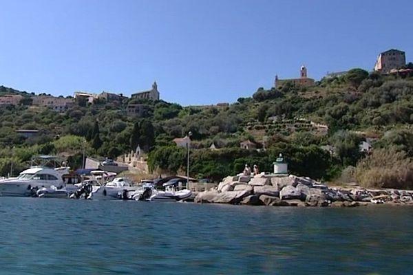 Port de Cargèse (Corse-du-Sud)