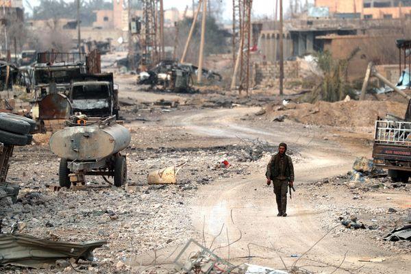 Les derniers combattants de Daesh sont retranchés dans la poche du village de Baghouz