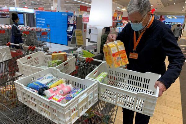 15.000 bénévoles de la banque alimentaire sont mobilisés en Bretagne pour assurer la collecte jusqu'au 29 novembre, comme ici à Brest