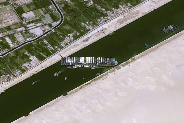 Cette photo du canal de Suez a été prise de l'espace par le satellite Pleiades du CNES