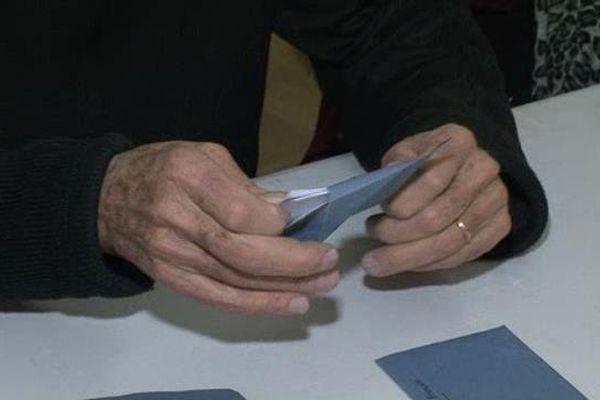 A Briançon, le vote blanc atteint presque 16 %.