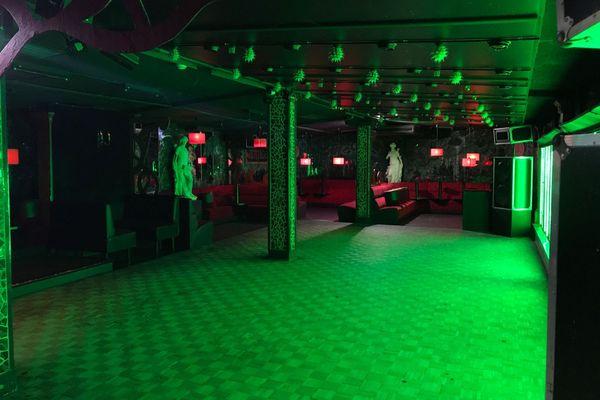 La salle de danse vide du Tango à Saint-Laurent-Nouan dans le Loir-et-Cher