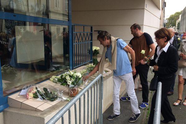 Recueillement en hommage aux victimes du balcon effondré à Angers, le 15 octobre 2017