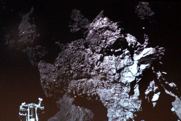 Première photo prise par Philae.