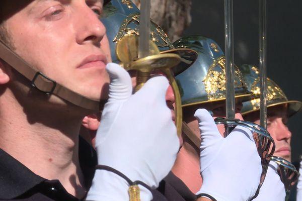 La promotion Charles-de-Gaulle de l'ENOSP, école nationale des officiers sapeurs-pompiers d'Aix-en-Provence, se prépare à la cérémonie nationale du 14 juillet place de la Concorde à Paris