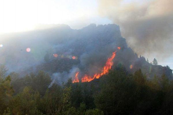 Lundi, l''incendie de Tautavel s'est propagé rapidement.