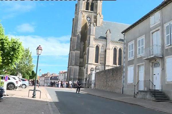 Montmorillon : hommage à Magalie, jeune Rennaise de 24 ans étranglée à Poitiers lundi 4 juin