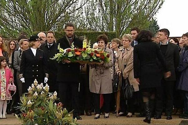 Une cérémonie commémorative a eu lieu à Nevers, la ville où l'ancien chef du gouvernement, s'est suicidé le 1er mai 1993.