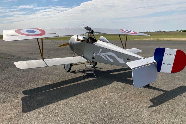 Le Nieuport 17-ADB n'attend que le feu vert de l'administration pour prendre son envol.