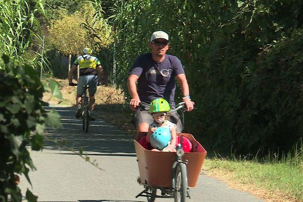 Sur les voies vertes comme celle reliant Montpellier à la mer en passant par Lattes, les cyclistes ne sont plus obligés de rouler masqués.