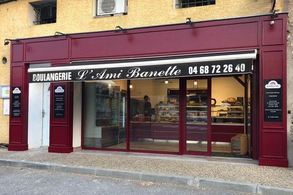 Villegailhenc (Aude) - réouverture de la boulangerie, 10 mois après les inondations meurtrières  - 6 août 2019.