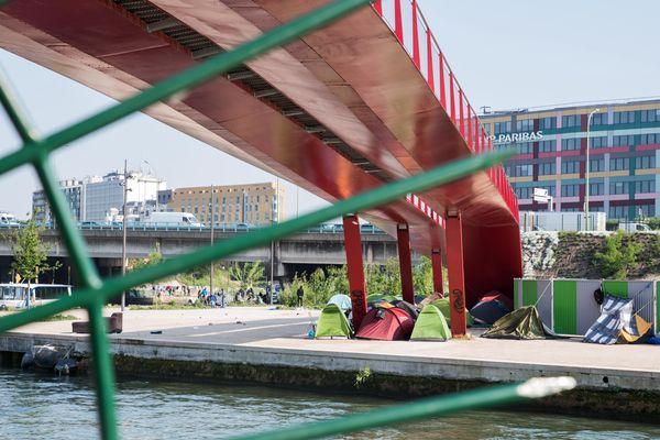 Des campements de migrants, à La Villette.