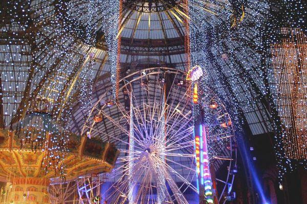 La fête foraine bat son plein sous la nef du Grand Palais
