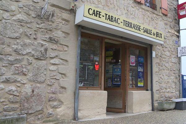 Ils veulent reprendre un commerce de Boffres (Ardèche) mais peinent à trouver des financement  - 15/1/21