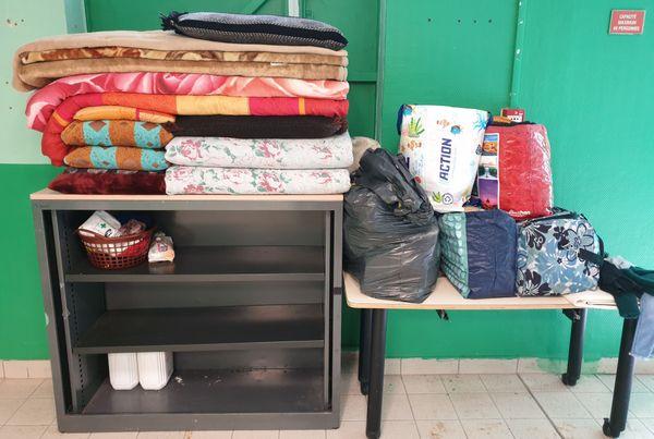 Les affaires de la famille Mustapha tiennent dans quelques sacs.