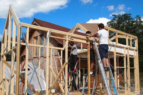 Une tiny house est en cours de construction à Mens (Isère).