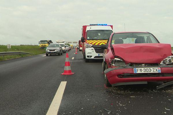 Un accident s'est produit peu avant 8h ce mardi 25 mai sur l'autoroute A84. 5 véhicules sont impliqués. 4 personnes ont été blessées.
