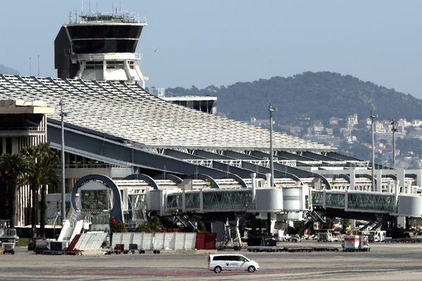Le couple a été interpellé à l'aéroport de Nice Côte d'Azur.