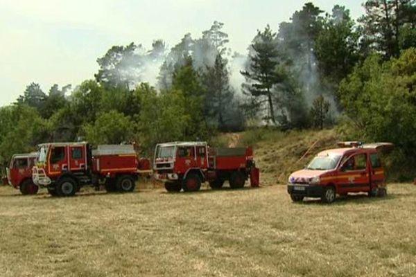 Les pompiers du Puy-de-Dôme ont déjà combattu plus de 170 départs de feux depuis le début de l'été 2015