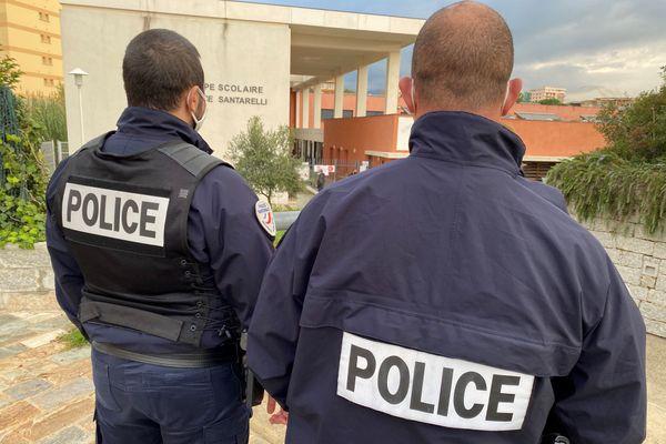 Un dispositif policier renforcé et préventif a été installé, depuis le 27 novembre, autour de l'école Jérôme Santarelli, à Ajaccio.