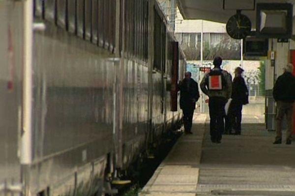 Un euro de plus pour un Clermont-Paris en train Intercités à partir du 24 janvier 2013. La SNCF augmente ses tarifs de 2,3% pour soutenir un vaste programme d'investissements de 2,6 milliards d'euros
