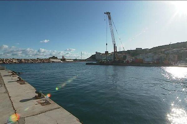 Les travaux de rénovation du port de Banyuls-sur-Mer visent à le protéger des coups de mer, tout en préservant la biodiversité sous-marine