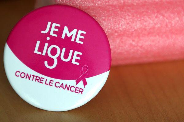 En Haute-Garonne, les dons ont baissé de 225 000 euros, ce qui fragilise le budget de l'association la Ligue contre le cancer. Le financement de la recherche pourrait notamment être menacé.