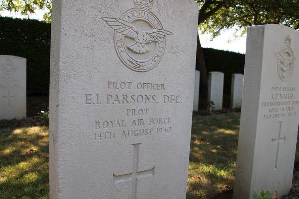 Tombe d'Ernest Parsons au cimetière militaire de l'Est à Boulogne-sur-Mer.
