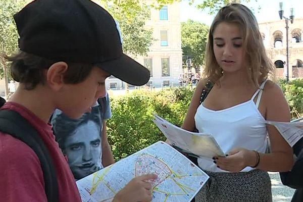Quand certains élèves recevaient leur emploi du temps pour la rentrée, d'autres recevaient un plan de la ville