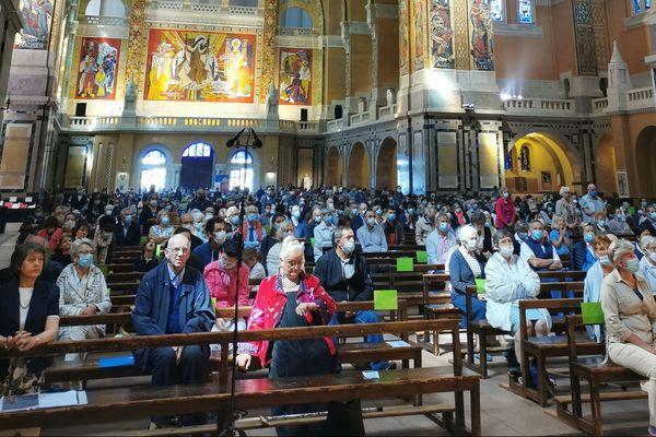 De nombreux pèlerins ont assisté à la messe célébrant les Saints Louis et Zélie Martin ce dimanche 12 juillet à la basilique de Lisieux.