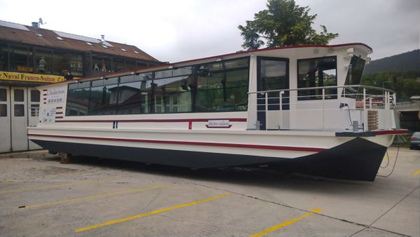 Ce bateau électro-solaire construit à Villers-le-Lac naviguera bientôt sur la Saône à Gray.