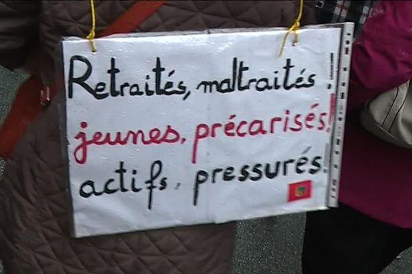 Des slogans communs à ceux des Gilets jaunes.