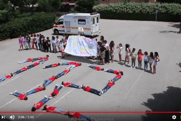 Les sapeurs-pompiers du Var ont fait appel aux enfants des écoles pour faire leur clip.