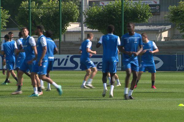 L'AJ Auxerre a pu s'entraîner ce jeudi 22 juillet sous le regard des supporters du club.