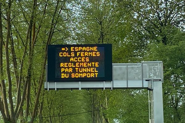 Plusieurs points de passages ont été temporairement fermés à la frontière espagnole.