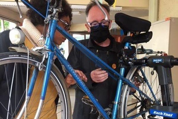 Le 360, un atelier d'auto-réparation des vélos a ouvert à Montreuil