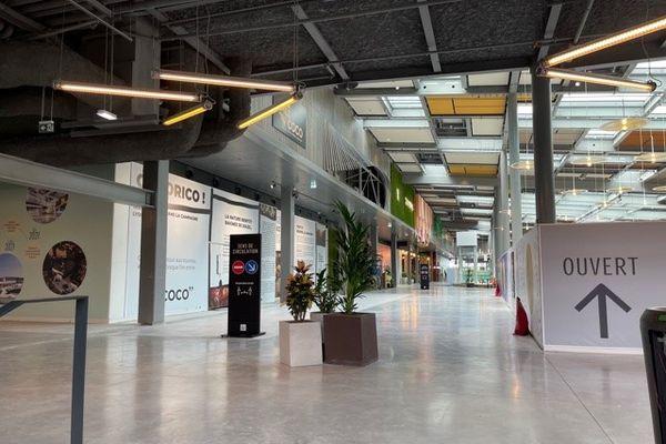 Une immense nouvelle galerie de restaurants est désormais ouverte au public