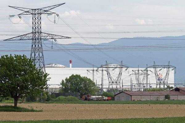 Une plainte de Greenpeace et d'autres associations ont été déposées contre Areva et EDF, après la détection d 'une anomalie sur le réacteur n°2 de la centrale alsacienne.