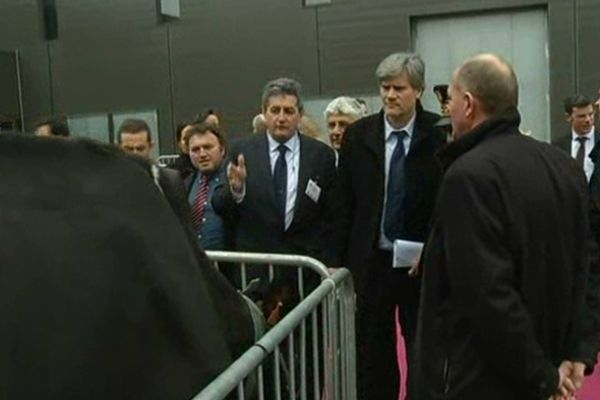 Le ministre participait à la clôture du 67e Congrès national à Troyes, jeudi 28 mars 2013