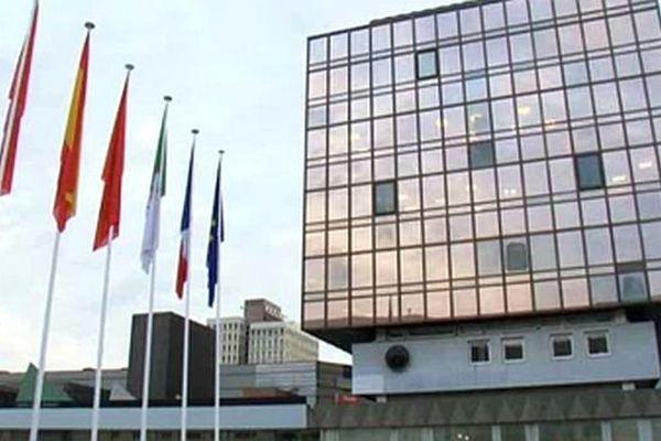 Montpellier - l'ancienne mairie dans le quartier du Polygone - archives