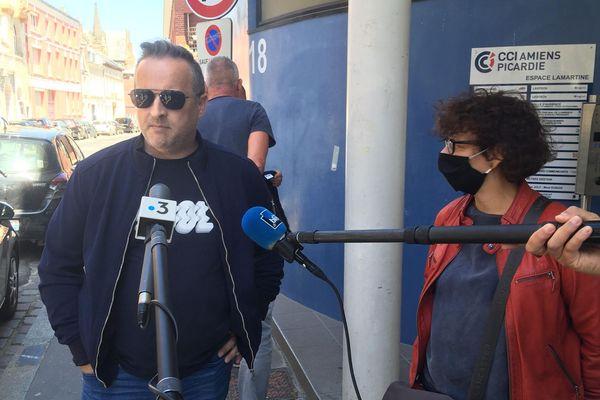 Mickaël Wamen et Evelyne Becker, anciens représentants CGT à la sortie des prud'hommes d'Amiens, le 28 mai.
