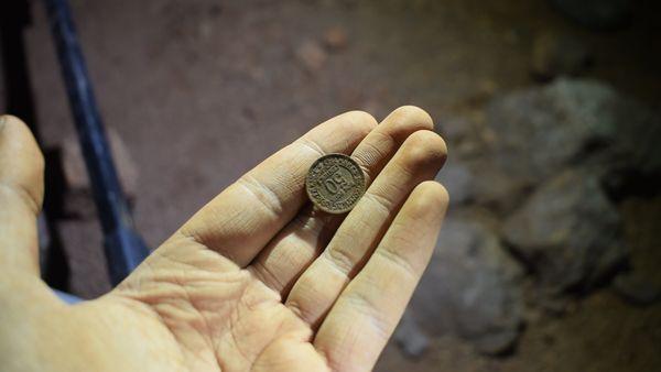 Une pièce de monnaie de l'époque de la seconde guerre mondiale découverte dans les alentours de Brignoles.