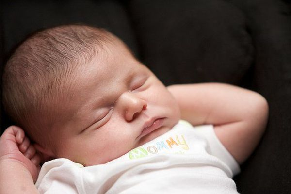 Le parquet fait appel de la décision du tribunal du tribunal de Grande instance qui avait ordonné la transcription des actes de naissance d'enfant.e.s né.e.s par GPA.