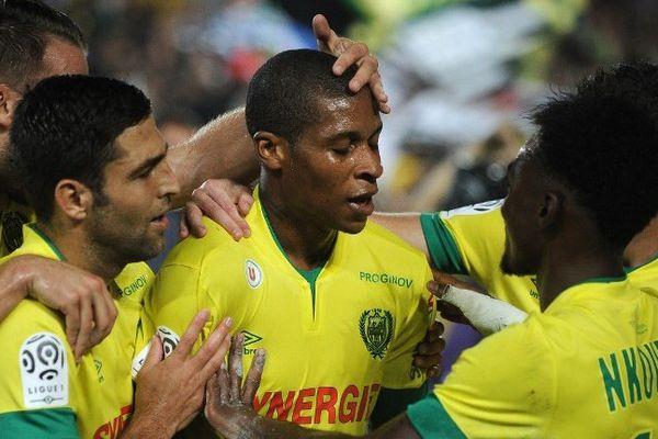 Audel félicité par ses coéquipiers après avoir marqué face à Reims