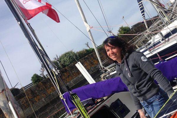 Marie Gendron a fabriqué durant 6 ans son voilier pour la prochaine mini-transat